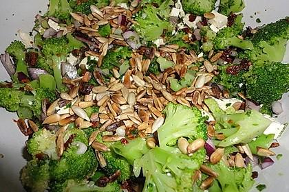 Mediterraner Brokkoli Salat 42