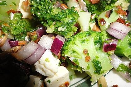 Mediterraner Brokkoli Salat 20