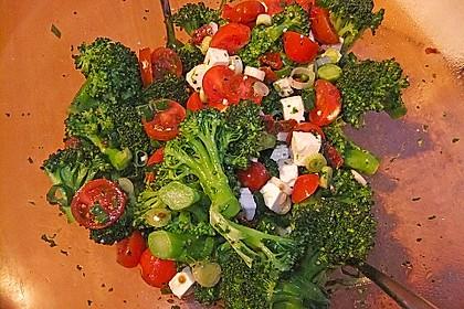 Mediterraner Brokkoli Salat 32
