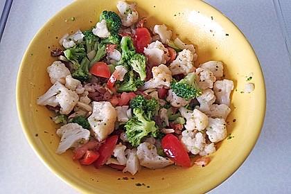 Mediterraner Brokkoli Salat 50