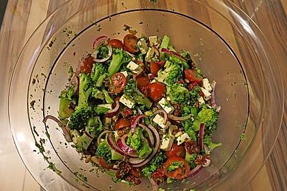 Mediterraner Brokkoli Salat 25