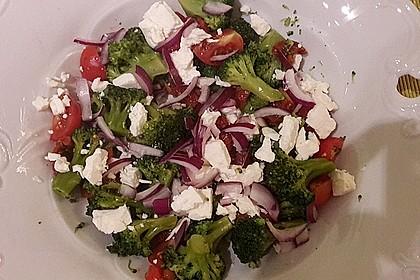 Mediterraner Brokkoli Salat 28