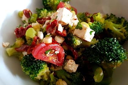 Mediterraner Brokkoli Salat 23