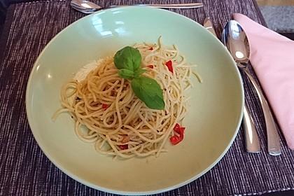 Spaghetti aglio, olio e peperoncino 21