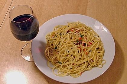 Spaghetti aglio, olio e peperoncino 14