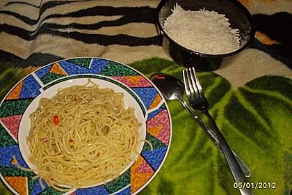 Spaghetti aglio, olio e peperoncino 40