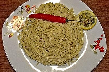 Spaghetti aglio, olio e peperoncino 29
