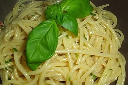 Spaghetti aglio, olio e peperoncino 23