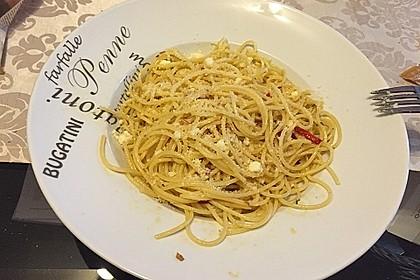 Spaghetti aglio, olio e peperoncino 18