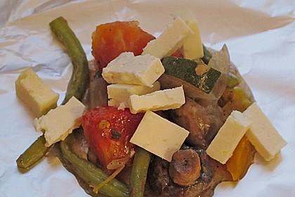 Leckere Zucchini - Tomate - Feta - Knoblauch - Päckchen zum Grillen 2