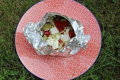 Leckere Zucchini - Tomate - Feta - Knoblauch - Päckchen zum Grillen