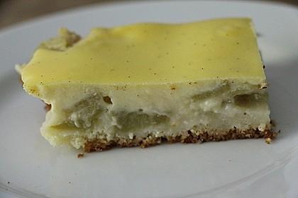 Rhabarberkuchen vom Blech mit Quarkguss