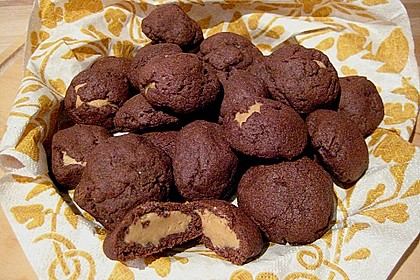Schoko - Cookies mit Erdnussbutter - Füllung 12