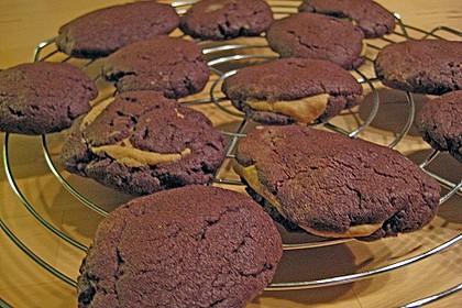 Schoko - Cookies mit Erdnussbutter - Füllung 38