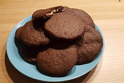 Schoko - Cookies mit Erdnussbutter - Füllung 16