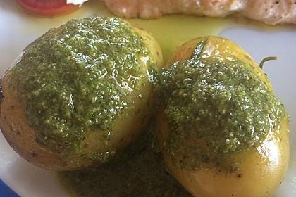 Pellkartoffeln mit Kräutersauce auf spanische Art