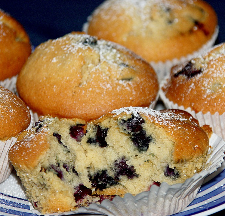 vanille heidelbeer muffins rezept mit bild von kleinemama3. Black Bedroom Furniture Sets. Home Design Ideas
