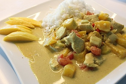 Hähnchencurry mit Mango und Kokosmilch (Bild)