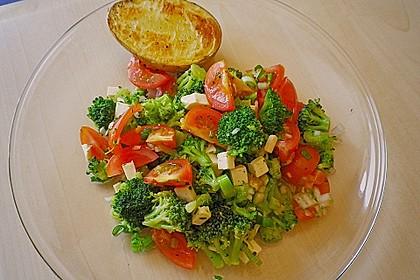 Knackiger bunter Brokkolisalat 2