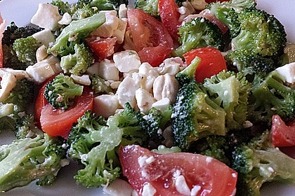 Knackiger bunter Brokkolisalat 13