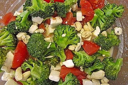 Knackiger bunter Brokkolisalat 8