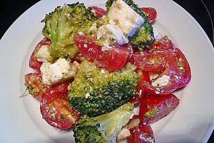 Knackiger bunter Brokkolisalat 9