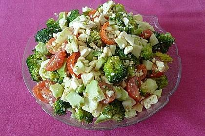 Knackiger bunter Brokkolisalat 3