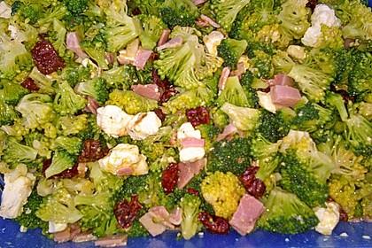 Knackiger bunter Brokkolisalat 22