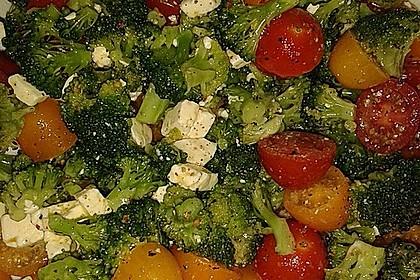 Knackiger bunter Brokkolisalat 4