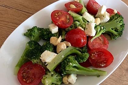 Knackiger bunter Brokkolisalat 1