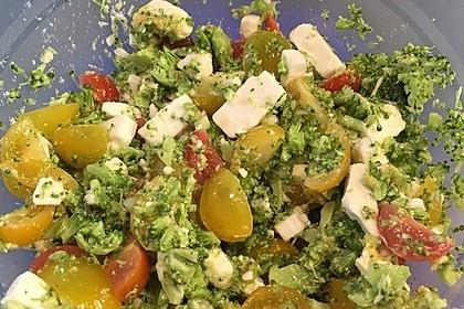 Knackiger bunter Brokkolisalat 11