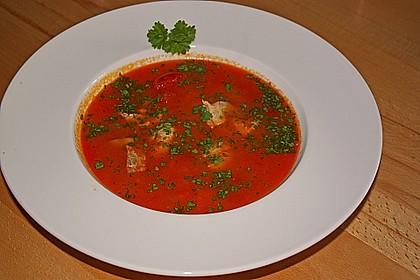 Paprika-Tomaten Suppe mit Fisch