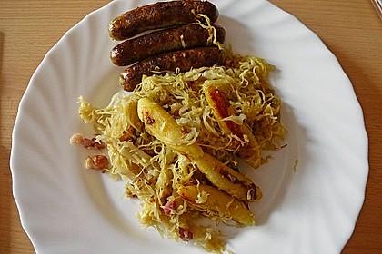 Schupfnudeln mit Sauerkraut und Speckwürfeln 15