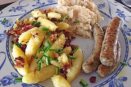 Schupfnudeln mit Sauerkraut und Speckwürfeln 16