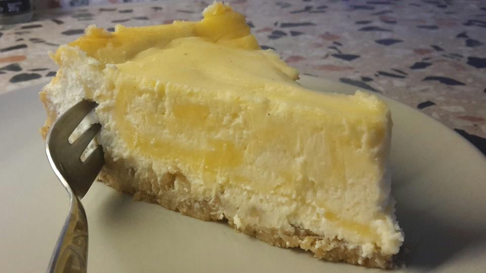 Lemon Curd Mascarpone Cake