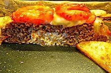 Hackbraten mit Tomaten und Mozzarella überbacken und Ofenkartoffeln