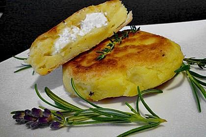 Kartoffelfrikadellen gefüllt mit Schafskäse 0