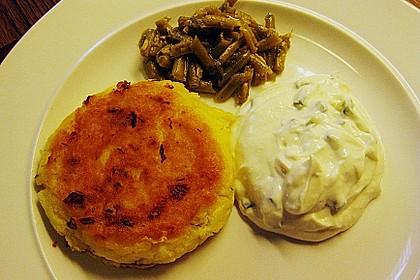 Kartoffelfrikadellen gefüllt mit Schafskäse 21