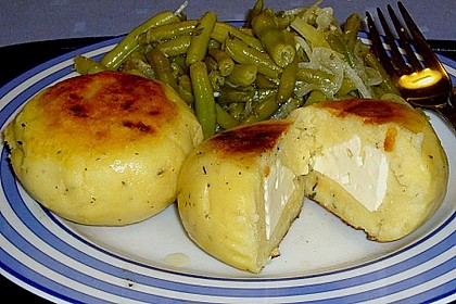 Kartoffelfrikadellen gefüllt mit Schafskäse 10