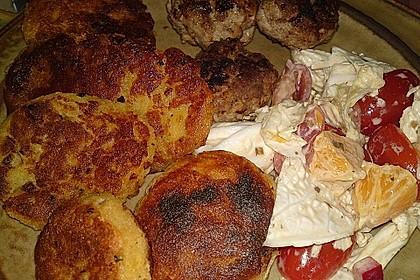 Kartoffelfrikadellen gefüllt mit Schafskäse 35