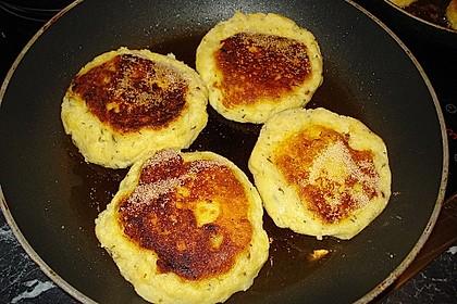 Kartoffelfrikadellen gefüllt mit Schafskäse 42