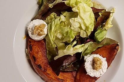 Lauwarmer Kürbissalat mit Rauke, Basilikum und Ziegenkäse 15