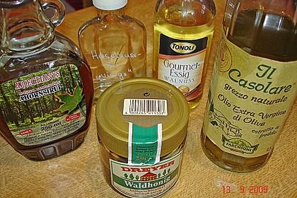 Lauwarmer Kürbissalat mit Rauke, Basilikum und Ziegenkäse 17