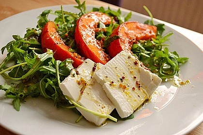 Lauwarmer Kürbissalat mit Rauke, Basilikum und Ziegenkäse 4