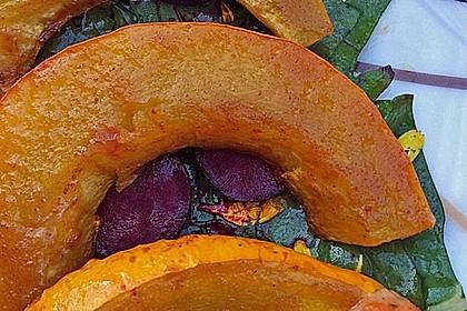 Lauwarmer Kürbissalat mit Rauke, Basilikum und Ziegenkäse 11