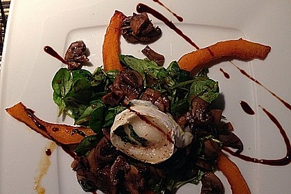 Lauwarmer Kürbissalat mit Rauke, Basilikum und Ziegenkäse 2