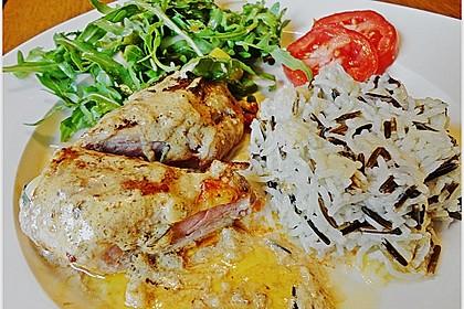 Gefüllte Schnitzel vom Schwein mit Rahmsauce 8