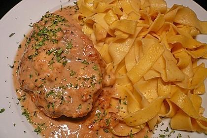 Gefüllte Schnitzel vom Schwein mit Rahmsauce 6