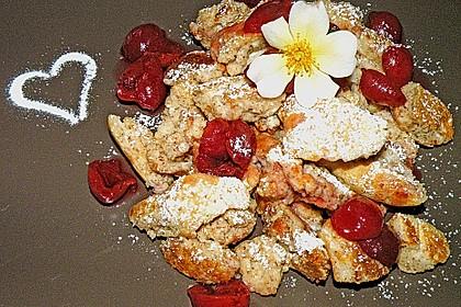 Kirschen in Mandelsirup