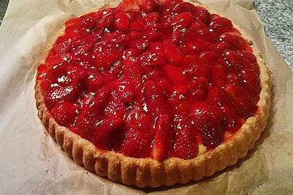 Obsttorte mit Erdbeeren